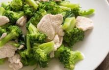 insalata di pollo con broccoli